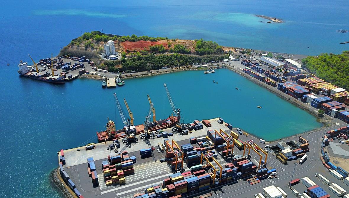 Vue aérienne du Port de Longoni / F.Ongaretto, MCG